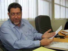 """Prime Minsiter Dr. Ralph Gonsalves Is Confident That Vincentians Will Vote """"Yes"""" For The New Constitution."""